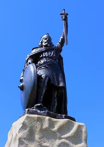 statue-alfred-king-alfred-uk-england-king-winchester-mythology-medieval-thumbnail.jpg