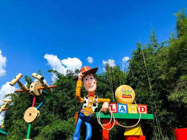 How To Miss The Crowds at Toy Story Land