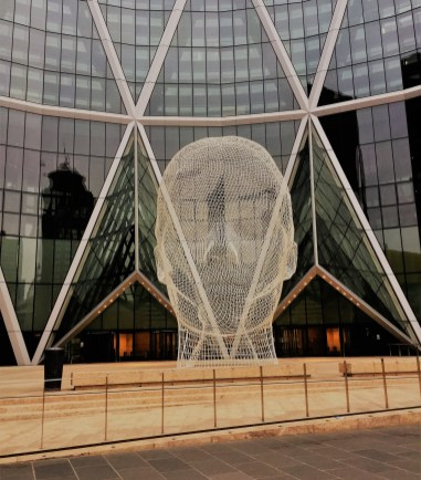 "12 meter wire head of a young girl, ""Wonderland"" by Jaume Plensa"