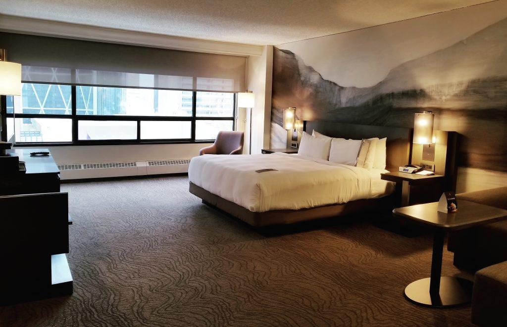 Suite, King Room, Calgary Marriott Downtown Hotel