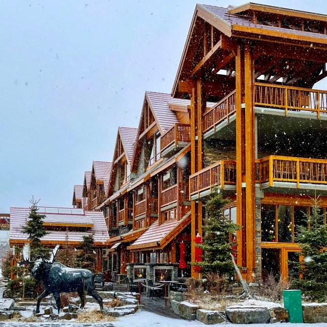 Exterior, Moose Hotel Suites Banff