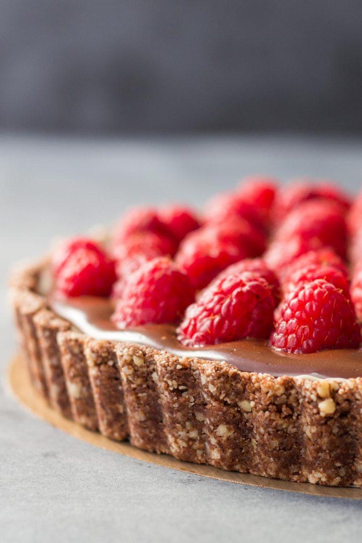 Almond-Chocolate-Raspberry-Tart-green-healthy-cooking