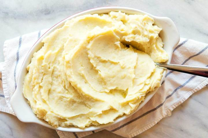 vegan mashed potatoes in a dish ready to be served