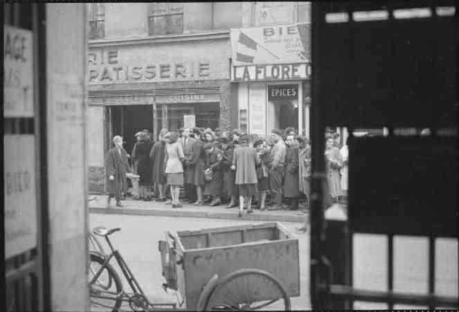 Paris bakery line