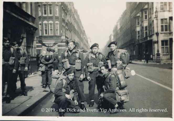 Dick in London Mar 1945 VE00746A