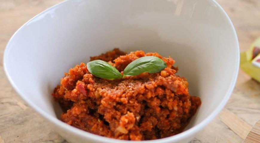 Linguini met Pesto en Zongedroogde tomaatjes