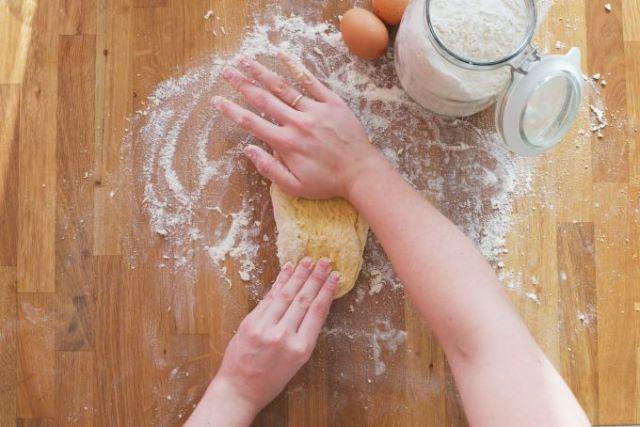 Pasta deeg kneden