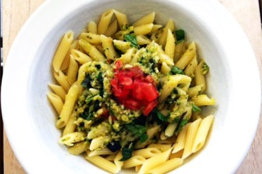 Pastamaniac: Pasta mit Zucchinipesto