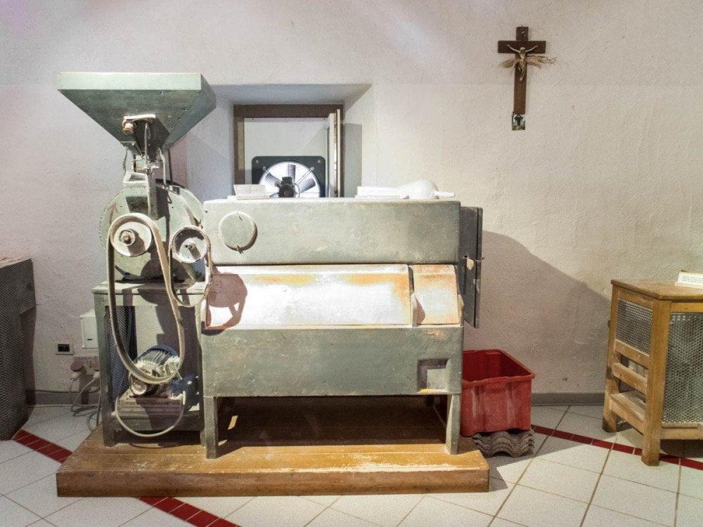 Il mulino a pietra dell'azienda agricola Pezzini Dal gran al pan di Sarnonico