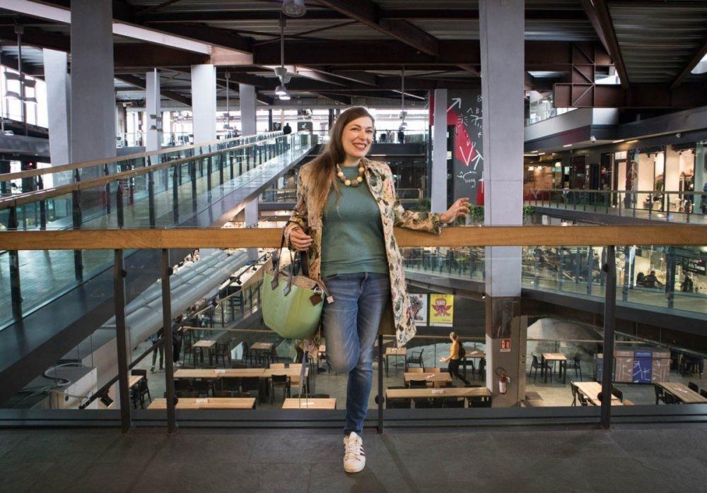 Paola Bertoni al Mercato Centrale a Torino con borsa MyMia by Nuvita