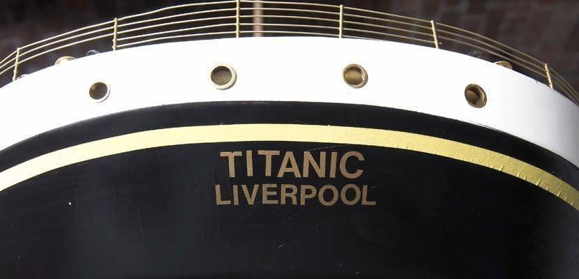 La scritta 'Titanic Liverpool' sulla poppa posteriore del Titanic