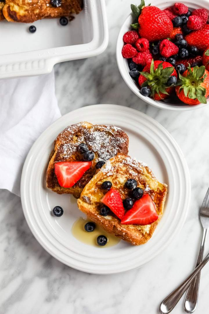Le Creuset plate of brunch french toast