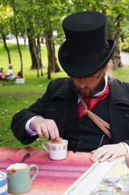 Antipodean Tea Duelling, Theo the Winner