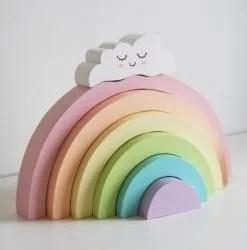 Arc-en-ciel en bois pastel