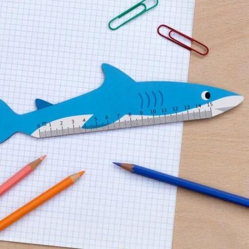 Règle en bois requin