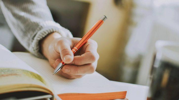 Beberapa Cara Membuat Review Novel