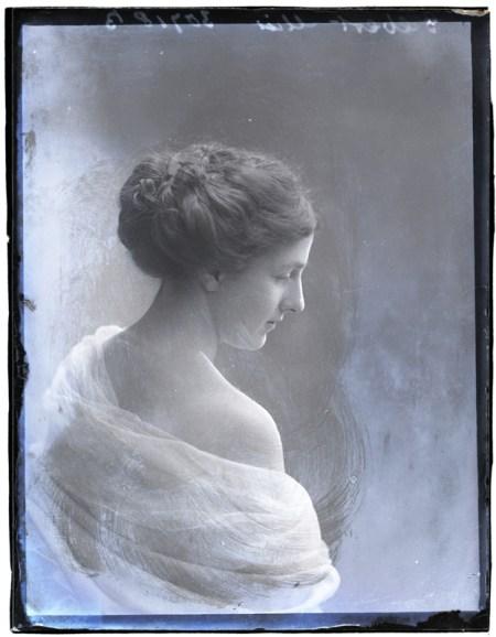 Miss Gilbert, 14 Apr 1910