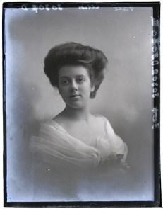 Miss Gale, 3 Dec 1909