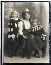 Hanbury Children, 5 Dec 1907