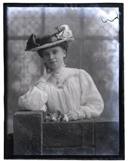 Miss Botting, 1907