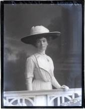 Miss E Benns, 8 Dec 1911