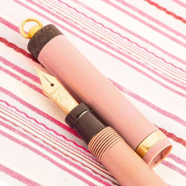 vintage parker pastel violet lucky curve fountain pen