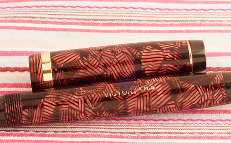 vintaeg parker victory mark I red hatched candy striped button filler fountain pen