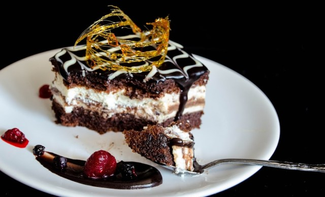 Chocolate and condensed milk mousse cake