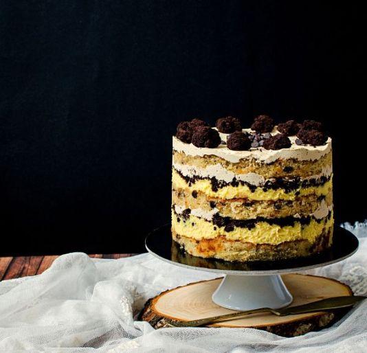 Tort Momofuku cu picaturi de ciocolata