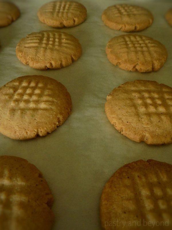 4 ingredient Easy Cinnamon Cookies after baking