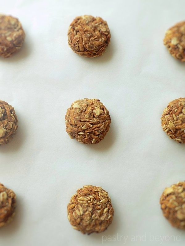 Healthy Apple Oatmeal Cookies