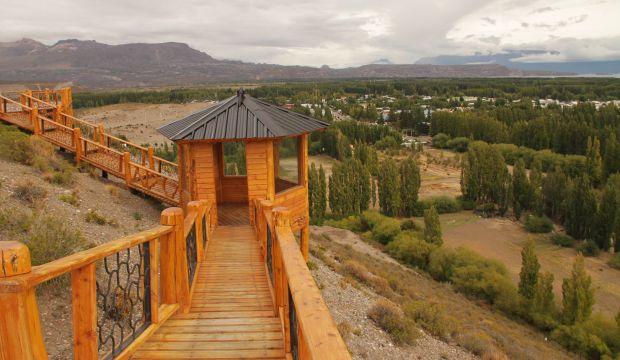 Mirador del Valle en Gobernador Gregores, parte del corredor turístico de Santa Cruz.