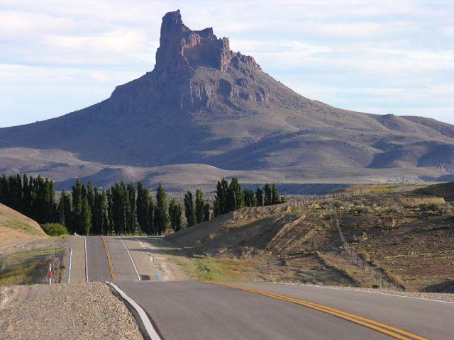 Cerro Gregores. Parte del corredor turístico de Santa Cruz .