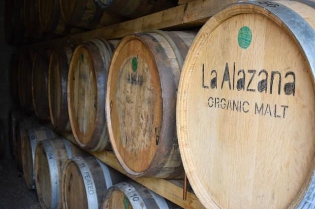 Barricas donde se guarda el whisky para su maduración.