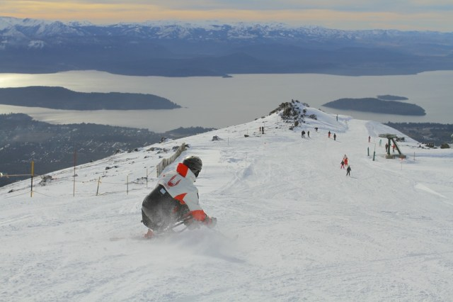 Germán Vega esquiando