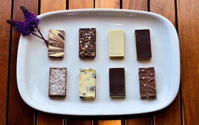 Bandeja de presentación de los chocolates fabricados en la Chocolateria de Lago Puelo.