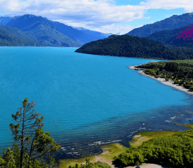 Lago Puelo Patagonia Andina