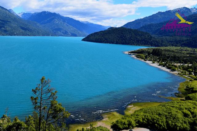Lago Puelo Patagonia Andina. Uno de los atractivos de Chubut visto por los italianos.
