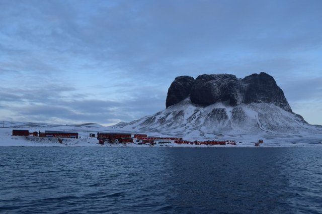 Base en las isla Orcadas, día de la Antártida Argentina.