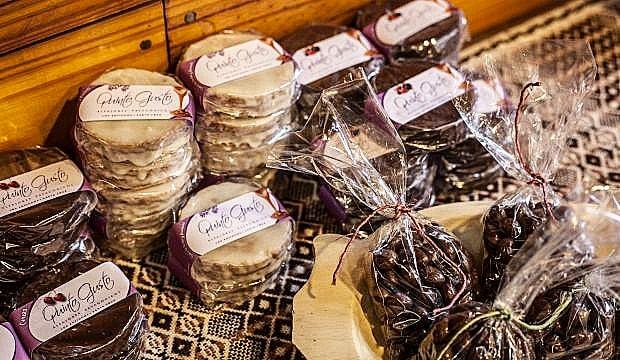 Alfajores y chocolates de Los Antiguos.