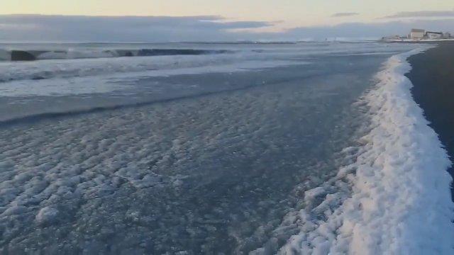 Mar congelado por el frío. Río Grande.
