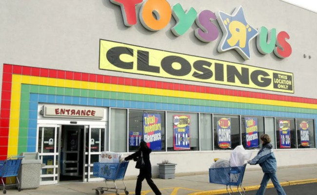 Everything Must Go Ct Toys R Us Babies R Us Closing Sale