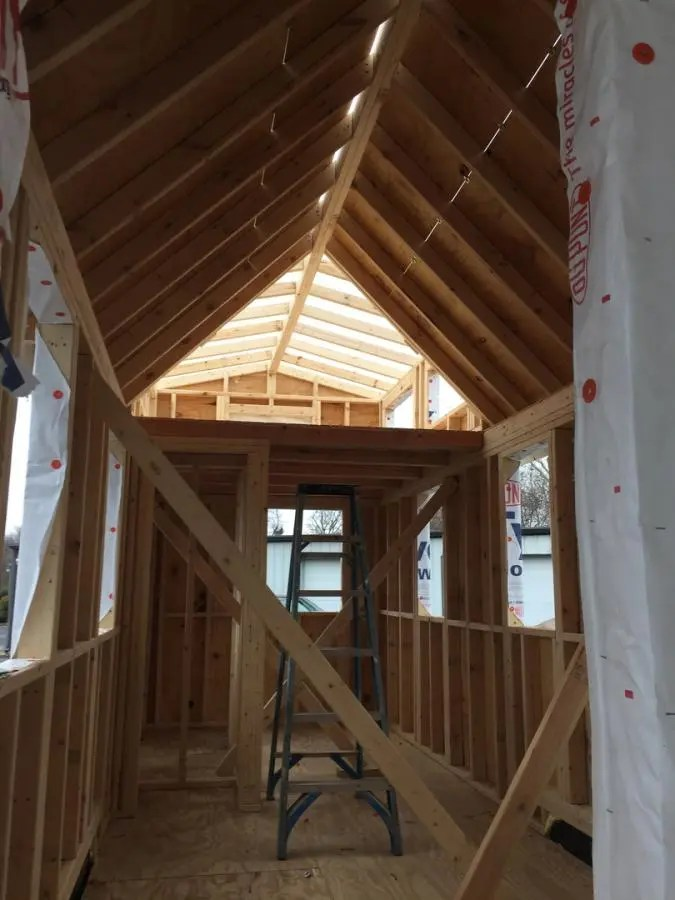 Tiny House Building Company Gets Big Footprint In