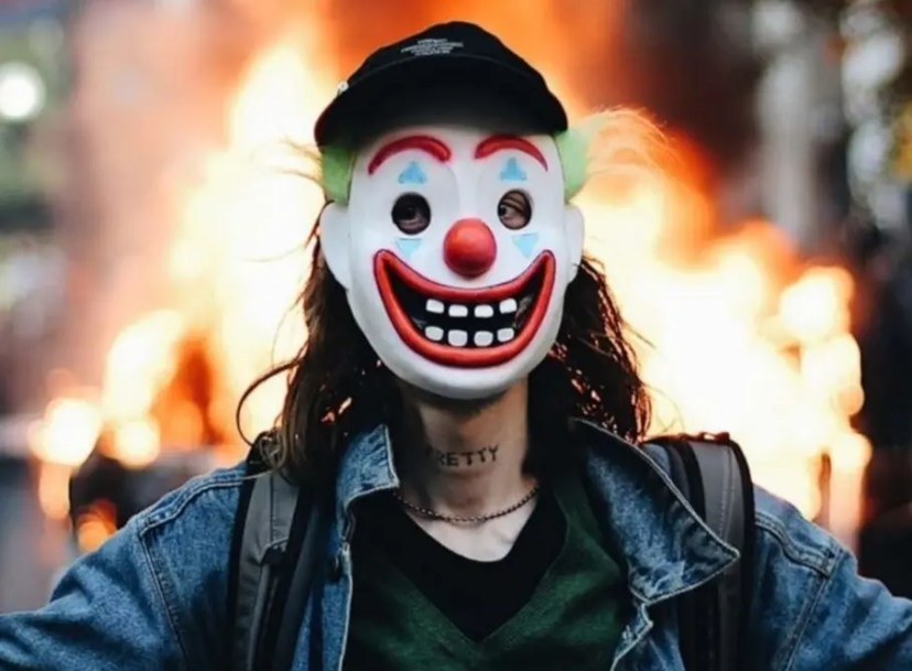 Joker' Charged With Lighting Chicago Police Car To Watch It Burn ...