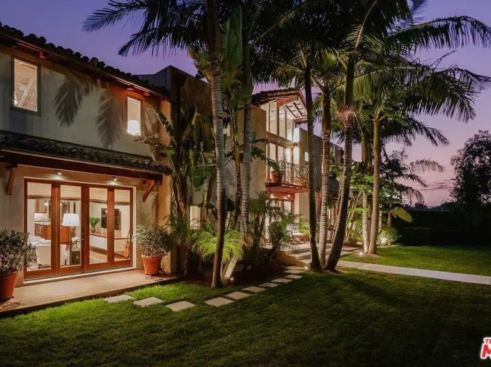 This Santa Monica Home Is Better Than A Resort-1