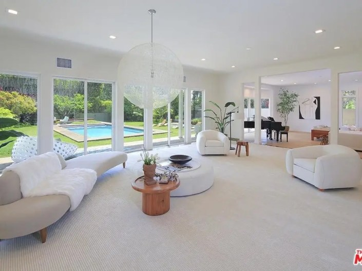 Biggest Home For Sale In Santa Monica Is 11,000 Sq. Ft.-3