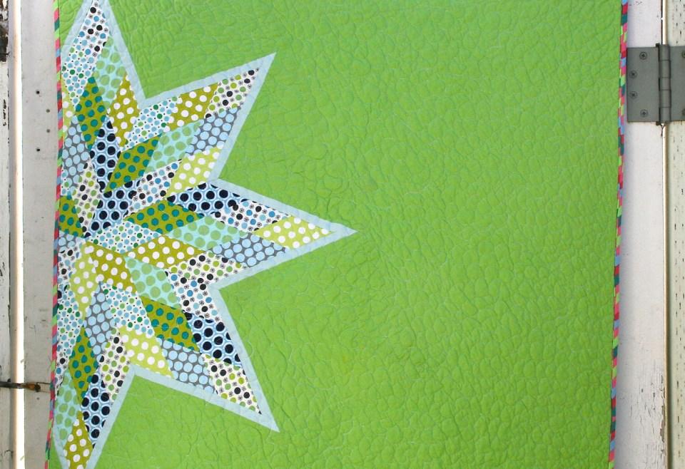 Les quilts modernes jouent avec les codes classiques pour réinventer le patchwork