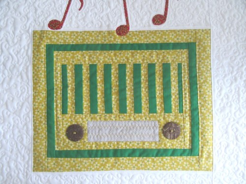 Vintage Radio design by The Purple Stitches made by Allison Reid
