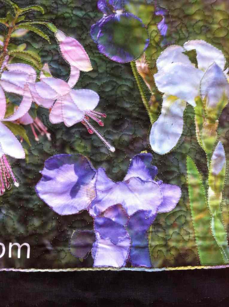 flores acolchado libre a máquina en bolso