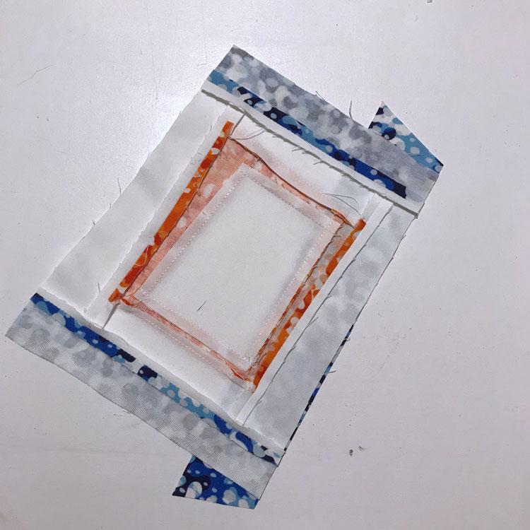 cortar las puntas en el bloque de patcwhork cuadrado en un cuadrado tutorial
